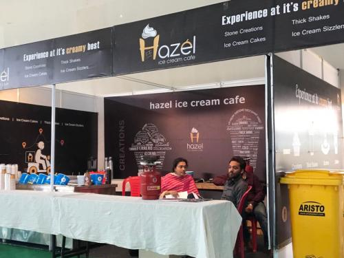 hazel-ice-cream-stall-at-bangalore (6)